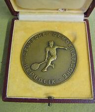 DDR Medaille - 3. zentrales Fachschulsportfest - 1955 - goldfarben