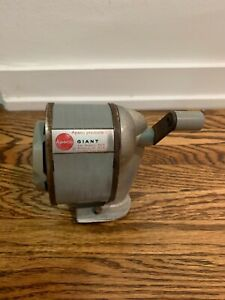 Vintage Giant APSCO Manual Pencil Sharpener 6 Hole Type lll-A Made in USA works