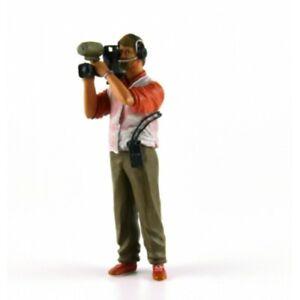 LE MANS miniatures Figurine 1/18 Thierry, cameraman des années 2000