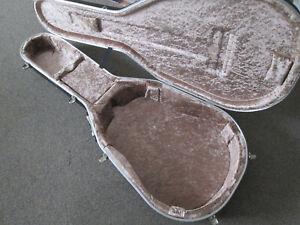 Hiscox 17.5 inch guitar hardcase - vgc.