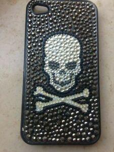Kirks Folly Case für iPhone 4: Schädel und Knochen