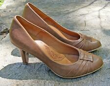 """SOFFT CLASSIC PUMPS, Light Brown Leather 3"""" Heels, Size 6 M"""