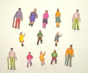 (13) GRANDPA WITH CANE,GRANDMA, YOUNG LADIES + CHILDREN FIGURINE  (HO)1:87 Scale