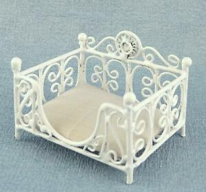 Dolls House Prince or Princess Dog Cat Bed Basket White Miniature Pet Accessory