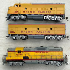 Athearn Union Pacific Blue Box F-7 A-B  And GP-9 Powered A Dummy B Dummy GP-9