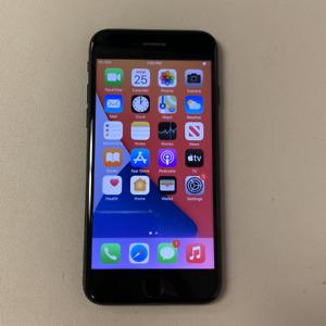 Apple iPhone 7 - 32GB - Black (Unlocked) (Read Description) EE1057
