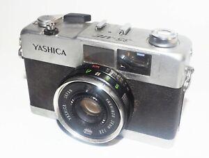 YASHICA 35-ME FILM CAMERA