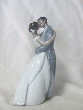 NAO BY LLADRO #1632 A KISS FOREVER TM BNIB LOVE BRIDE & GROOM BRIDAL CAKE TOPPER
