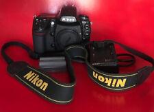 Nikon D700 corpo con batteria caricabatteria tappo e cinghietta LEGGERE READ