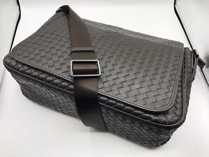 BOTTEGA VENETA WOVEN UNISEX BROWN LEATHER MESSENGER CROSS BODY BAG USED