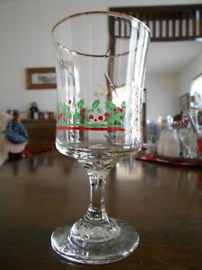 Holly Berry Poinsettia Ivy Goblet 12 oz Glass Libbey Arby's Promo Green Red !
