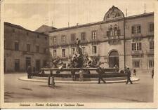 [CR8] CARTOLINA SICILIA SIRACUSA PIAZZA ARCHIMEDE FONATANA DIANA POCO ANIMATA