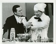 MIKE DOUGLAS MILTON BERLE COOKING THE MIKE DOUGLAS SHOW ORIGINAL 1971 TV PHOTO