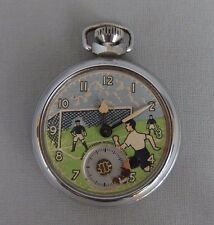 ancienne montre de poche Ingersoll football soccer players pocket watch 1950s