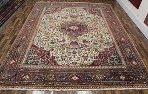 PERSIAN TABRIZ CARPET, WITH FINE FLORAL DESIGN AND SUPERB COLOURS 395 X 305 CM