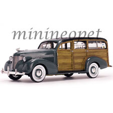 SUN STAR 6177 1939 CHEVROLET WOODY SURF WAGON SURF BOARD & REAL WOOD 1/18 GREY