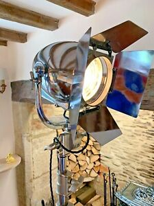 STRAND PATT 123   Vintage Theatre Light WITH BARN DOORS. RED WIRE ALL POLISHED