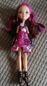 Ever After High Briar Beauty Thronecoming Doll