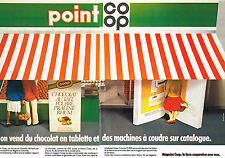 PUBLICITE ADVERTISING 064  1982  MAGASINS COOP   chocolat & machines à coudre(2p