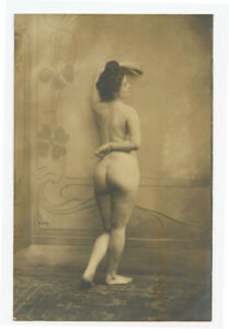 c 1905 French Risque Nude LADY REAR VIEW Lovely Lady photo postcard