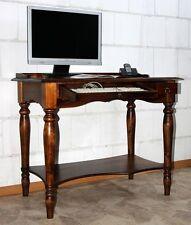 Klassische Schreibtische & Computermöbel aus Massivholz in aktuellem Design