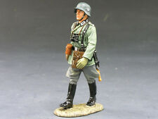 King & Country WS095 Wehrmacht Officer Marching (RETIRED)