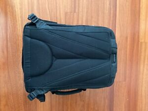 Think Tank Airport Commuter Camera Bag Backpack Carry On
