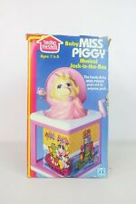 Sesame Street 1983 HASBRO Muppet Babies Miss Piggy Musical Jack in the Box toy