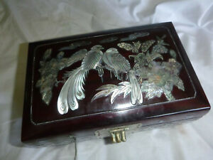 Vintage Chinese / Oriental Jewellery box with Mother Of Pearl Decoration
