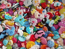 100  Very pretty mix of resin buttons, ideal for crafts etc.,