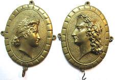 2 porte-montres bronze, médaillons ovales sculptés: Femme et Homme, Napoléon III