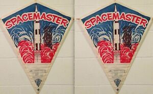 2 Vintage 1970s Top Flite SPACEMASTER Paper Kite Lot MINT SEALED Atomic Rocket