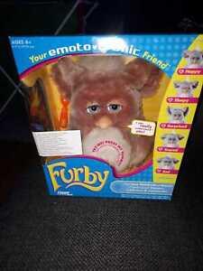 Furby 2005 red velvet. New in the box 61910/59294