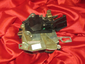 BMW E36 3 M3 series FRONT LEFT DOOR LOCK LATCH CATCH 8146231