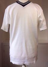 """NEW Man's GlobeTrotter Quality White Ribbed T-shirt Black V Neck Collar 40"""" Mens"""