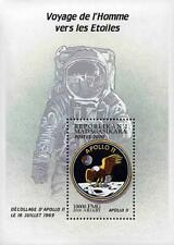 MADAGASCAR 2000 USA in SPACE =  APOLLO 11 & SHOULDER PATCH S/S MNH