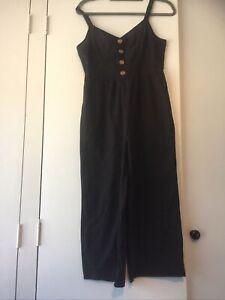 Woven Toni strappy jumpsuit black size M (12) cotton on