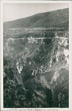 France, 1939, Gorges du Verdon (Var). Falaise des cavaliers  Vintage silver prin