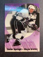 1994-95 Flair Center Spotlight #4 Of 10 Wayne Gretzky Los Angeles Kings Insert