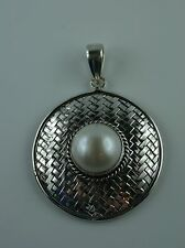 Sterling Silber Anhänger aus Bali  mit Süßwasser Perle  tribal
