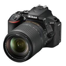 Fotocamera digitale reflex Nikon D5600 AF-S 18-140 VR Black