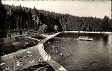Isny im Allgäu s/w Postkarte 1959 Blick auf das Waldbad Tannenwald Badegäste