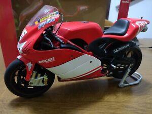DUCATI DESMOSEDICI 2003 - 1:6 - Loris Capirossi 65 - Prima Ducati in Moto GP
