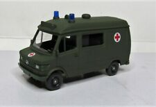 WIKING 1:87 Mercedes Benz 207 D Ktw Ambulance Boxed 696 05 German Military