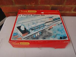 VINTAGE TRIANG / HORNBY R.6 CENTRAL STATION SET MODEL RAILWAY OO GAUGE BOXED