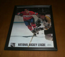 CANADIENS JEAN BELIVEAU & BOBBY ORR FRAMED NHL MAGAZINE COVER PRINT