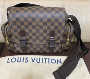 Louis Vuitton Melville Reporters Bag