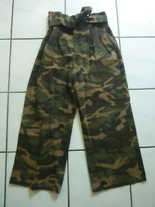 NA-KD Nakd Culotte Hose Stoffhose weites Bein grün Army Camouflage Gr. 38 S (4)