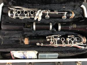 BUNDY Resonite Selmer Clarinet w/case for Parts or Decor
