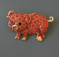 Adorable Pig   brooch in gold tone Metal with crystals